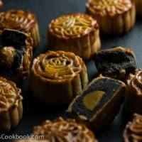 The Ultimate Guide to Traditional Mooncake (传统广式月饼)