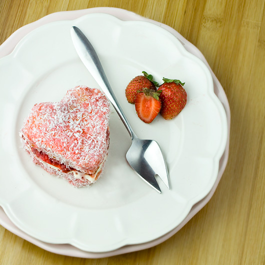 Strawberries & Cream Lamingtons
