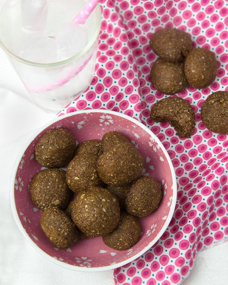 Soft Molasses Almond Cookies | Om Nom Ally