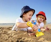 kids-beach-sand