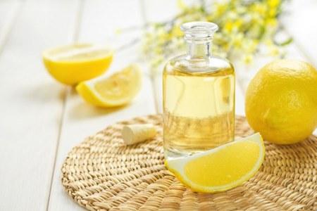 LemonEssentialOil-850x567_2