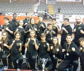 18 atletas da ADCMC/CCN participam este fim de semana no Campeonato Regional Norte de Kickboxing em Guimarães