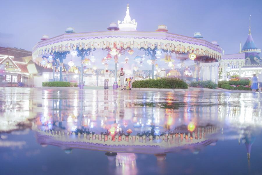 DisneyPhotoBlog DisneyLand carousel
