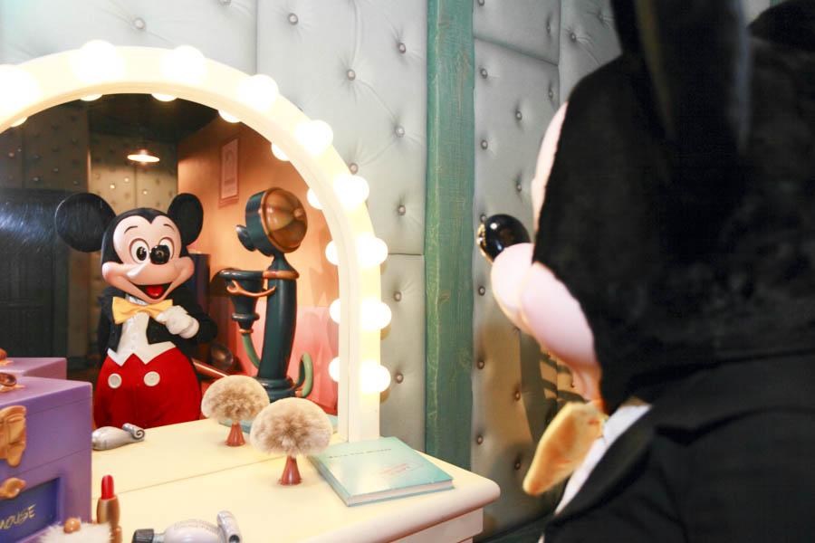 DisneyPhotoBlog DisneyLand MeetMickey