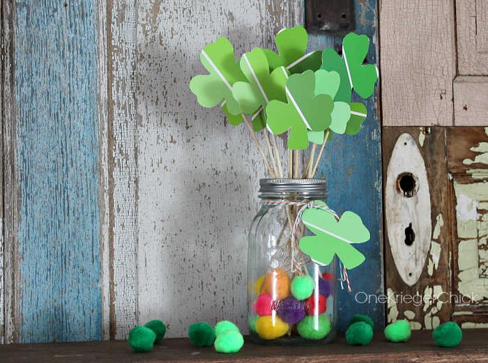 Lucky-Clover-Bouquet-make-in-under-15-minutes