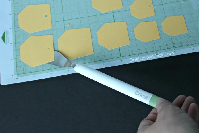 Hexagon Bib Necklace-shapes-OneKriegerChick.com CricutExplore #DesignSpaceStar
