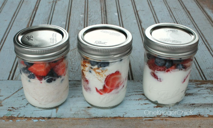 Make ahead Breakfast Sundaes- perfect for a busy morning! OneKriegerChick.com