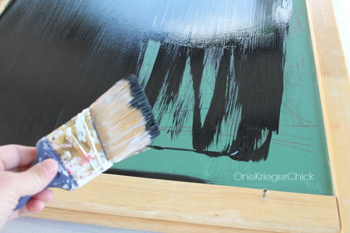 easel-makeover-chalkboard-OneKriegerChick.com