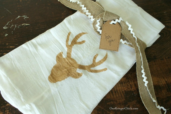Stenciled tea towels- quick and easy hostess gift- OneKriegerChick.com