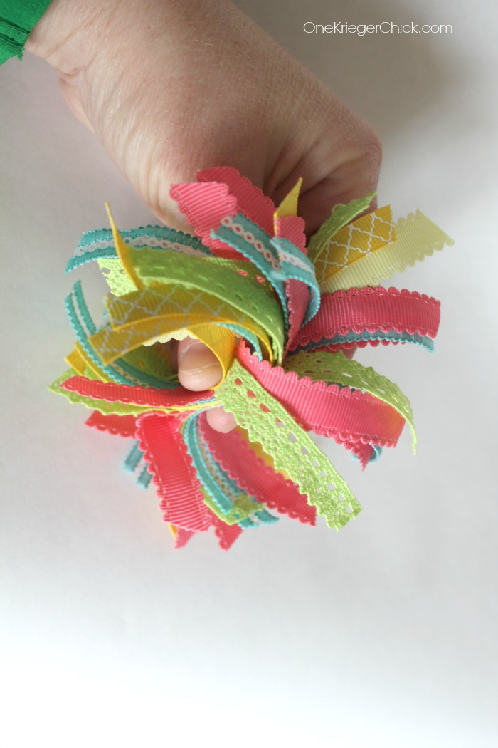 Ribbon pompom- step 1- OneKriegerChick.com