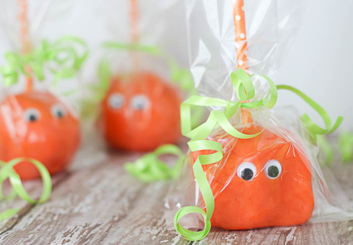 Homemade Pumpkin Playdough Pops- The perfect last minute Non-Candy Halloween treat!- OneKriegerChick.com-2