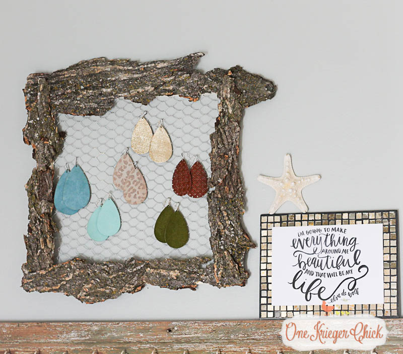 How cool is this Bark Covered Earring Organizer-! I cannot believe how easy this was to make using the Awesome new less mess glue gun from Elmers! slider