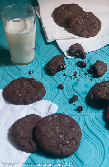 #Nutella-Stuffed Chocolate Chocolate Chip Cookies with Sea Salt. This may be the best #cookie ever! #nutelladay #gfree #yummy