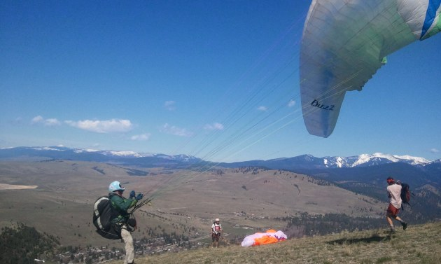 rob paragliding with rattlesnake mountains in background - on the horizon line blog