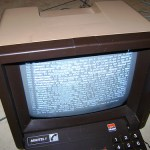 A hacked Minitel terminal shows a twitter feed via TTYtter (believekevin/Flickr)