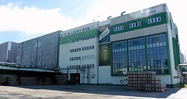 Náš Heineken napodobní Prazdroj. Pustí ksebe turistov