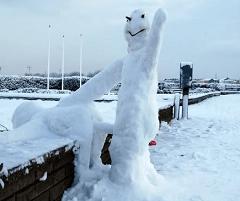 shagging-snowman