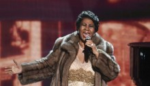 rs_634x1024-151230044209-634.Aretha-Franklin-Kennedy-Center-Honors-JR-123015