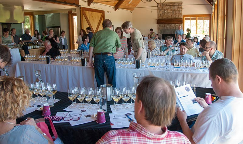 Oregon-Chardonnay-Symposium-2013-tables-800p