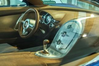 O interior do Veyron não me agrada muito