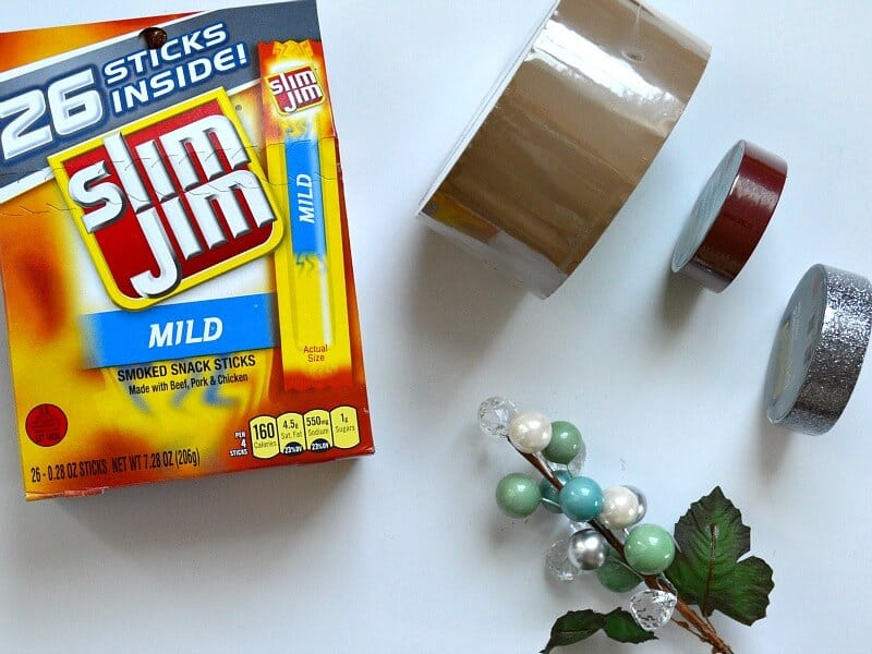 Make these edible Wizard's crafts for your favorite fan. They make great stocking stuffers and party favors. #SlimJimYourHolidays [ad]