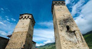 16-hotel-svaneti-towers-mestia