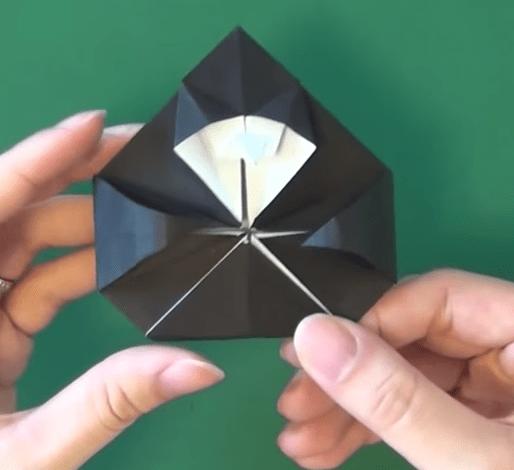 魔女の折り紙