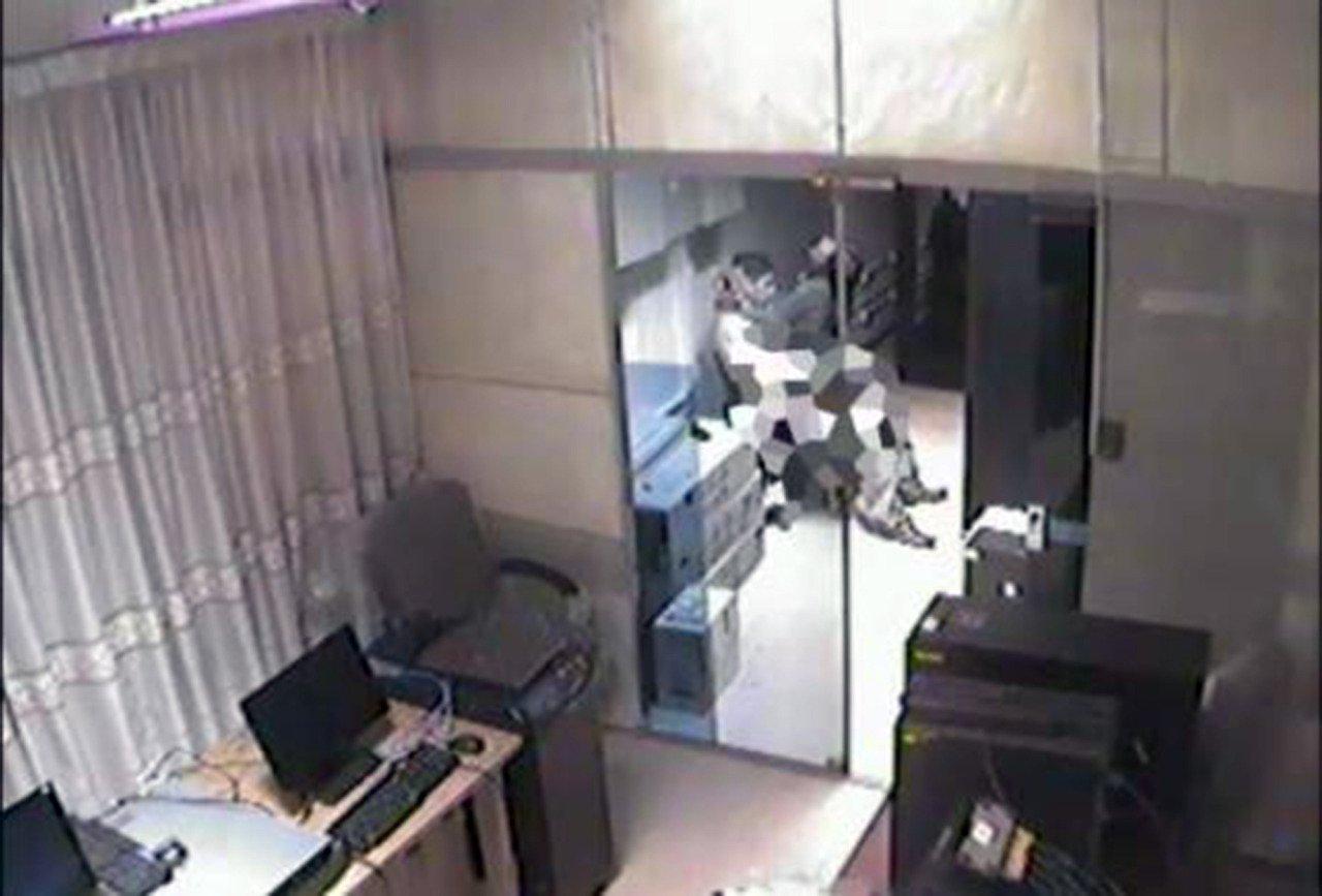 civil servant caught in office by cctv having sex orijoreporter. Black Bedroom Furniture Sets. Home Design Ideas