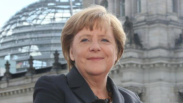Cristã, chanceler alemã Angela Merkel é apontada como a mulher mais poderosa do mundo
