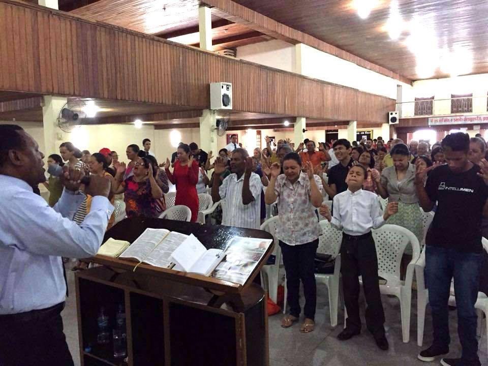 Bispo Ossesio participa de Concentração de Fé em Pesqueira