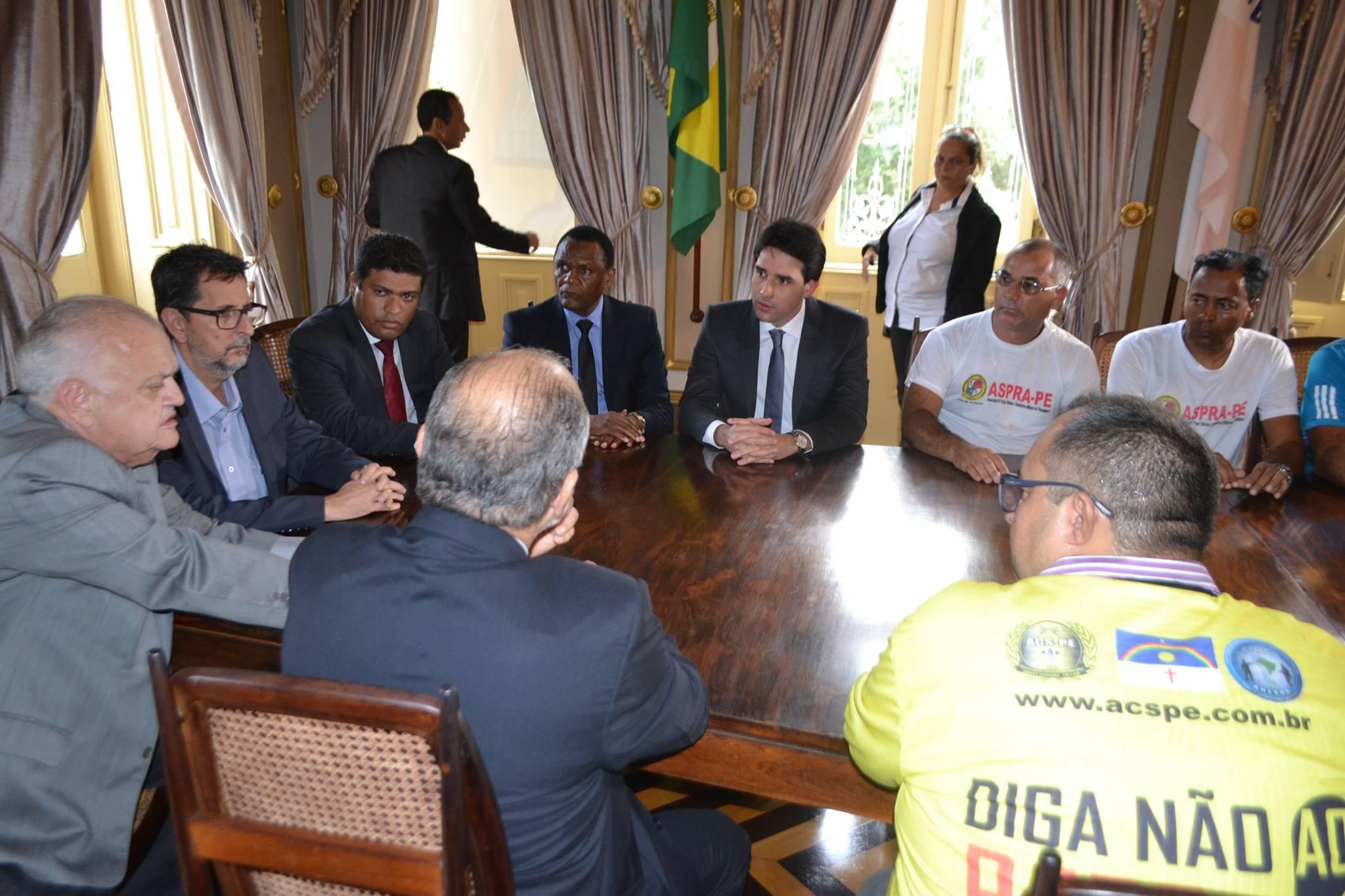 Bancada de Oposição apoia reivindicações dos policiais e bombeiros militares