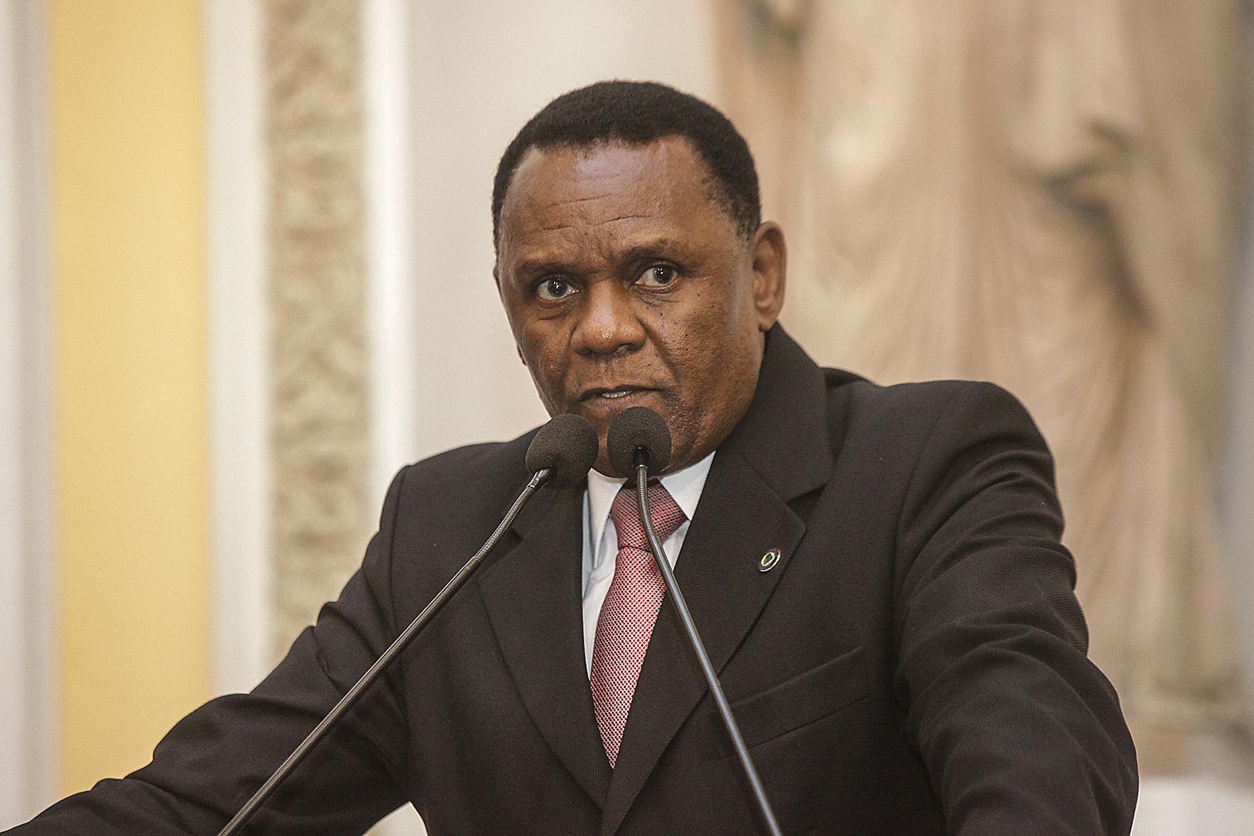 Educação – Ossesio pede ampliação do Programa Escola Aberta para municípios pernambucanos