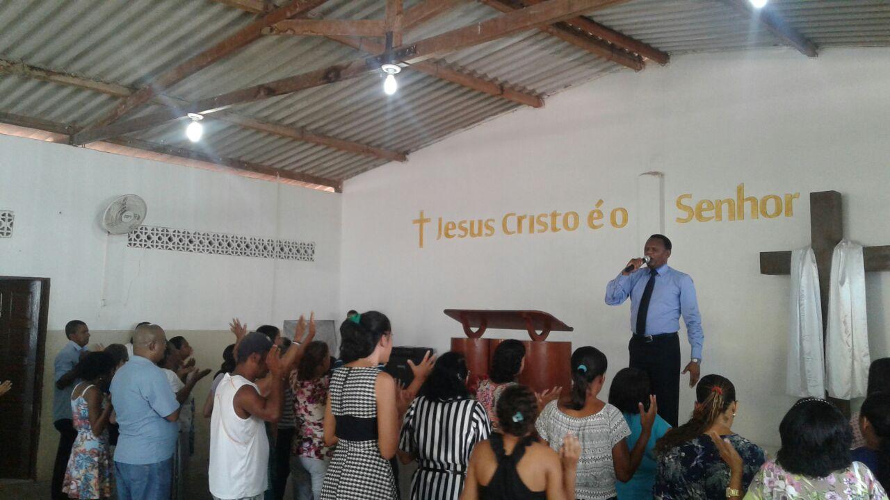 Bispo Ossesio prestigia reunião em São José da Cora Grande