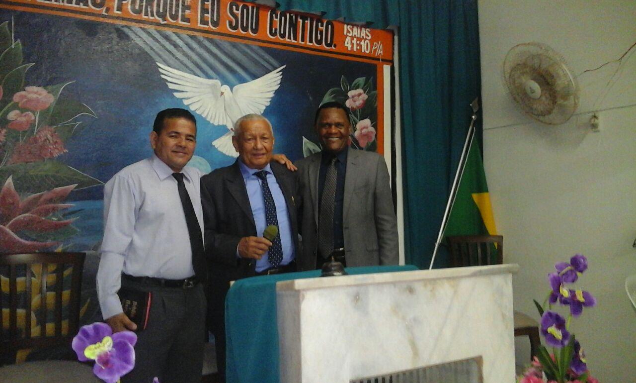 Recife – Bispo Ossesio prestigia aniversário da Igreja O Brasil Para Cristo em Joana Bezerra