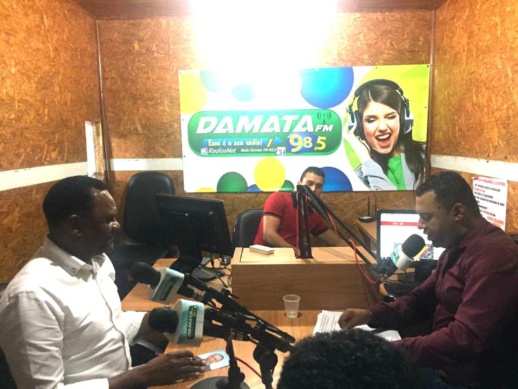 Deputado Ossesio participa de programa de rádio em São Lourenço da Mata