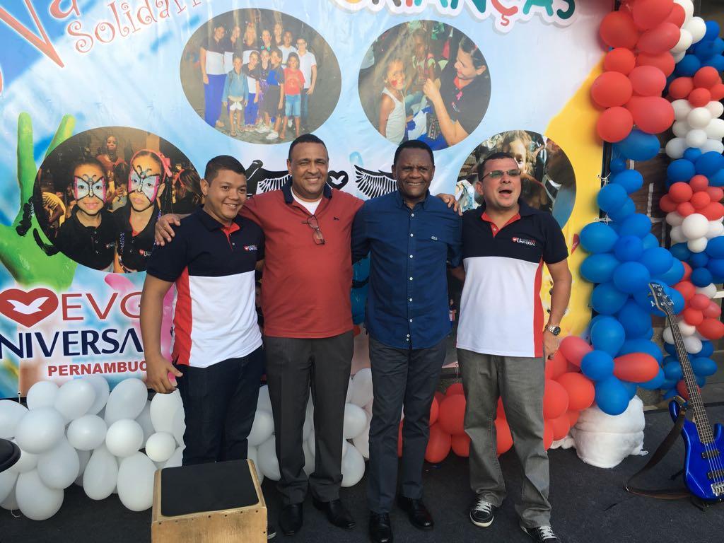 Deputado Ossesio Silva participa de Natal Solidário no Recife