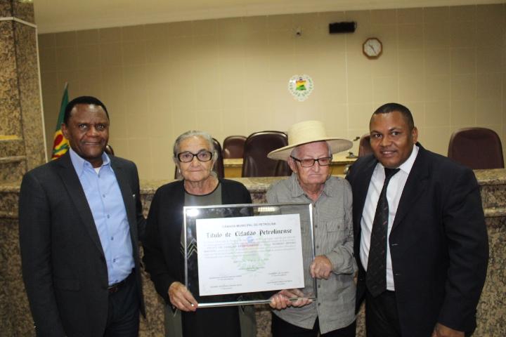 Petrolina – Deputado Ossesio e vereador Alex participam de homenagem a Nomero Severo