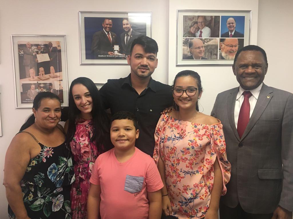Deputado Ossesio Silva se reúne com conselheiro tutelar de Garanhuns