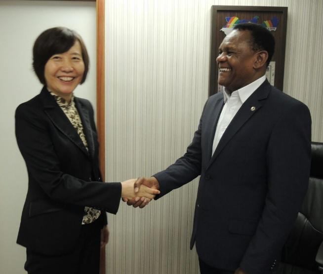 Deputado Ossesio Silva recebe Cônsul Geral da China em Recife