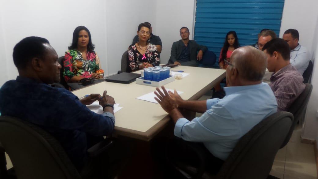 Deputado Ossesio se reuni com lideranças no Recife