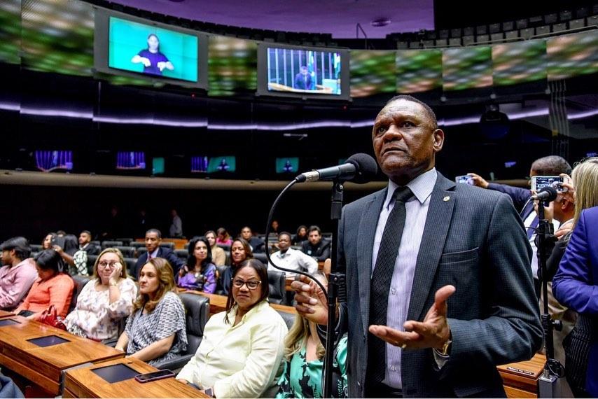 Ossesio Silva prestigia Sessão Solene em homenagem aos 14 anos do Republicanos