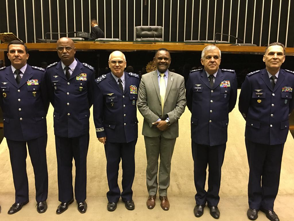 Ossesio Silva comemora o Dia do Aviador em sessão solene