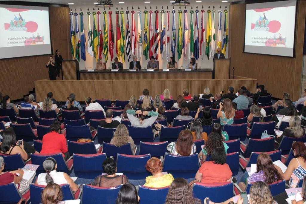 Em seminário, Ossesio Silva fala sobre efetivação dos direitos da pessoa idosa