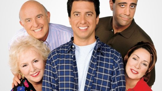EVERYBODY LOVES RAYMOND Cast:   Peter Boyle and Brad Garrett (top row) Doris Roberts, Ray Romano and Patricia Heaton (bottom row)  Image Source: Canada/Canwest Inc.  ® CBS Broadcasting Inc. and © CBS Corporation,  All Rights Reserved