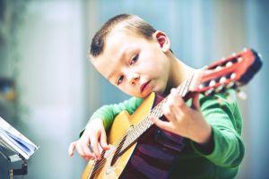 Música ayuda a niños con autismo y TDAH