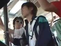 ジャージ姿のスポーツ少年をバスの中で集団レイプ