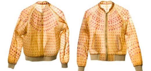 服は自分で育てて作る時代に。「BIOCOUTURE」が追求した100%生物由来のスカート、ハイヒール、ジャケット