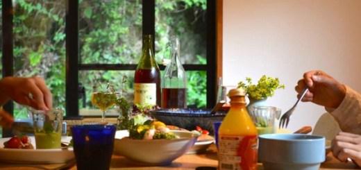 リスが舞うお庭を前に、女子ふたりでおいしい食事会 [おうちの食卓]