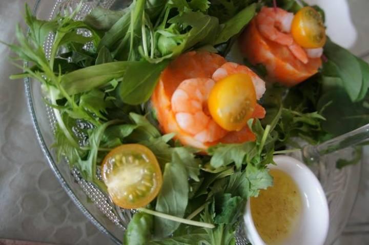 子供と一緒に楽しく作れる、春野菜とフェンネルの彩りサラダのレシピ