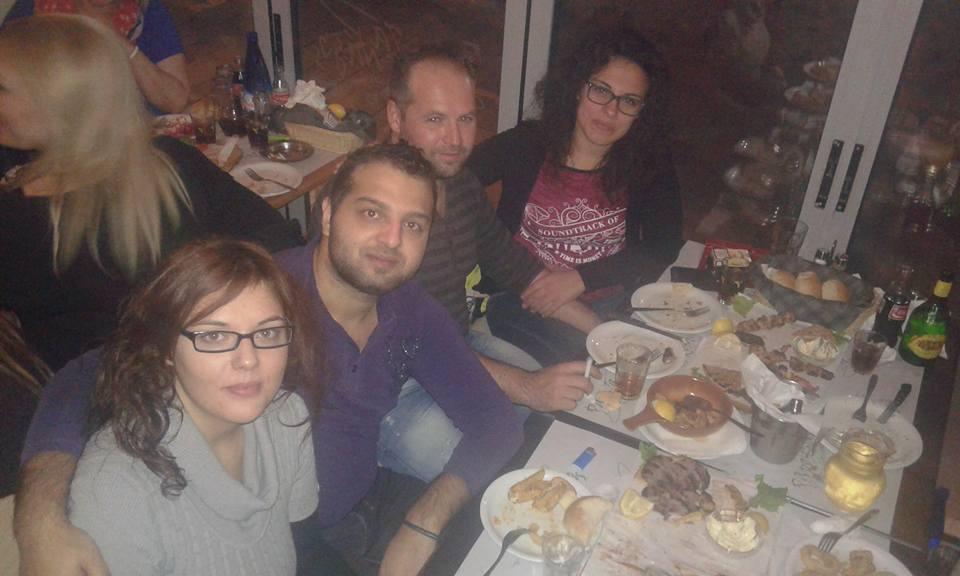 Με τον Φώτη Νατσιόπουλο  και την παρέα  του, διασκέδασαν την Παρασκευή 2 Οκτωβρίου, στο Μεζεδοπωλείο Ρακοζαλάδες στην Κοζάνη